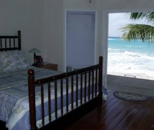 Fully equiped units on the beach for weekly rental in Grand Turk - Aqua House