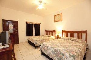 Pura Vida Resort, Roatan