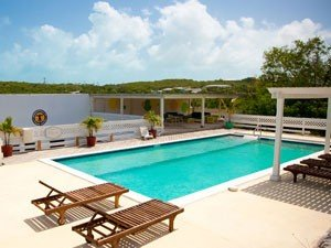 Great location hotel for high season with best rates in Providenciales